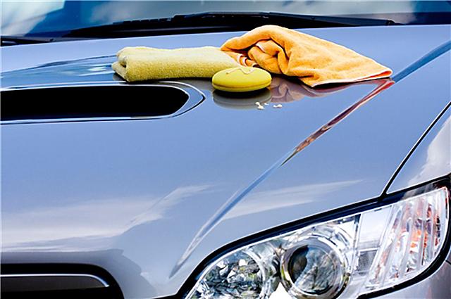 lavaggio auto a mano Lavaggio auto interni esterni Napoli